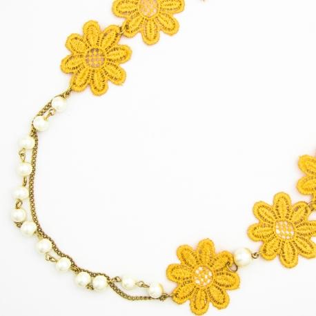 Подвеска№1330 желтые тканевые цветы на длинной цепочке с мелкими хрусталиками