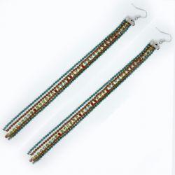 Серьги№1395 длинные трехцветные цепочки с мелким рядом разноцветных камешков