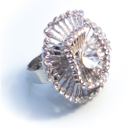 Кольцо с белыми камнями№12