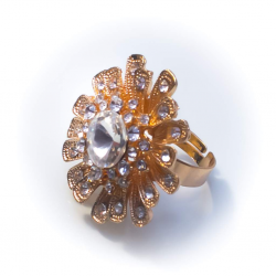 Кольцо желтое с белыми камнями №51