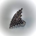 Кольцо с черными стразами № 123