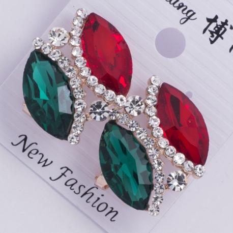 Серьги а/з№150 зеленый и красный камень овальной формы на белом металле с белыми стразами