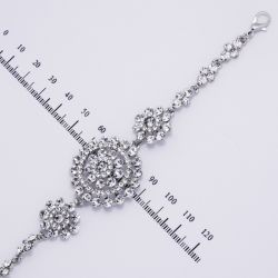 Браслет№901 оптом ажурный с белыми стразами дорожкой на металле под серебро