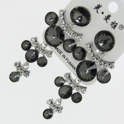 Серьги№1720 оптом серые круглые стразы висюльками на металле под серебро