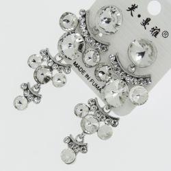 Серьги№1722 оптом белые круглые стразы висюльками на металле под серебро