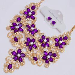 Подвеска№1986 оптом фиолетовые цветы из страз на металле под золото