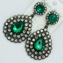 Серьги№2012 с зеленым камнем и белыми стразами вокруг оптом
