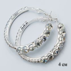 Серьги-кольца№1868 4 см оптом со стразами разного размера.