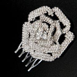 Украшение№162 для волос роза в белых стразах на расчесочке
