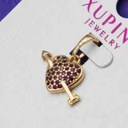 Кулон Xuping№32 оптом сердечко со стрелой с темно-розовыми цирконами