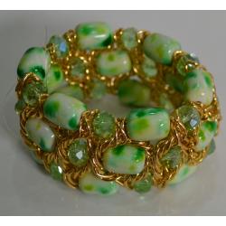 Браслет с зелеными камнями переплетенный золотом№400