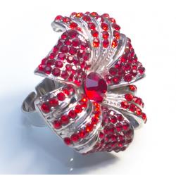 Кольцо цветок с красными камнями№17