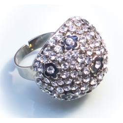 Кольцо с белыми камнями№30