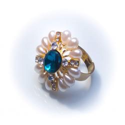 Кольцо с жемчужинами с синим камнем № 45