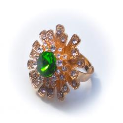 Кольцо желтое с белыми стразами и зеленым камнем №52