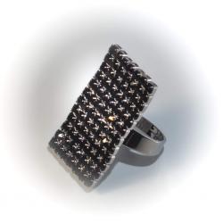 Кольцо с черными стразами № 102