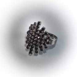 Кольцо с черными стразами № 120