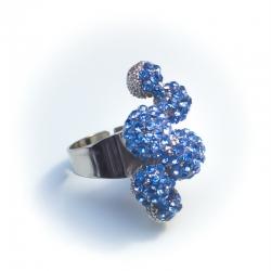 Кольцо№158 белое с голубыми стразами