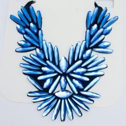 Подвеска№1009 голубые стразы на черной тканевой основе оригинальной формы