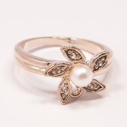 Кольцо Аэлина№107 под золото с жемчужиной и белыми стразами ,размерное