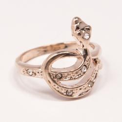 Кольцо Аэлина№104 под золото змейка с белыми стразами ,размерное