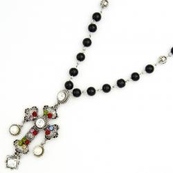 Подвеска№1293 крест с камнями и небольшими висюльками на длинной цепи из черных жемчужин