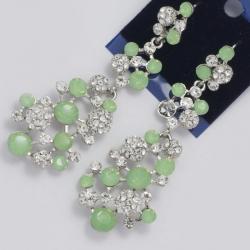 Серьги№1003 оригинальные светло зеленые и белые стразы на металле под серебро
