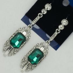 Серьги№1119 зеленый камень на металле под серебро с белыми стразами