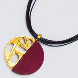 Подвеска№1480 кулон красный с золотым орнаментом на черном шнурке