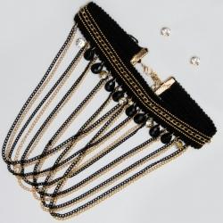 Чекер№1543 черный с металличекими вставками и висюльками из мелких цепочек